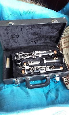 BOOSEY AND HAWKES EMPEROR Bb WOODEN CLARINET