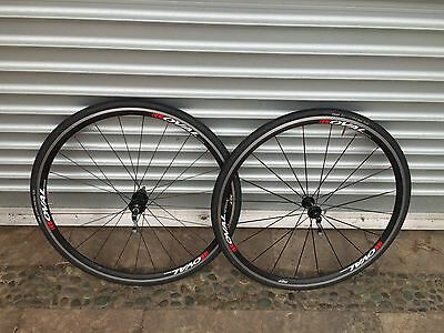 Oval Concepts 527 road wheelset. Shimano/sram 11 speed compatible.