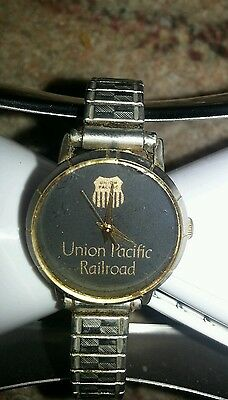 viNtage ladies union Pacific railroad watch womens