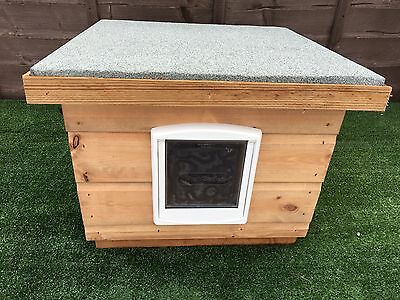 Wooden CAT Kennel/shelter ~box/ Cat House with Cat Flap outdoor