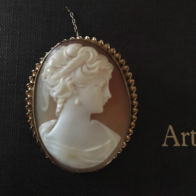 9ct gold Cameo Brooch 11 g