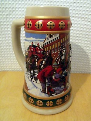 Vtg 1993 Budweiser Hometown Holiday Tradition Beer Stein Mug Clydesdales