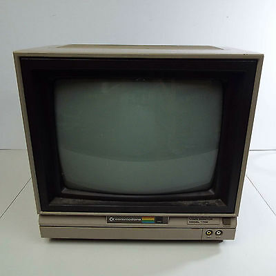 Vintage 1983 Commodore 1702 Computer Monitor C64 / Tested & Working (T55Z)