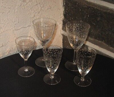 Vintage stemware Etched vines Fine lot of 5 in 2 sizes