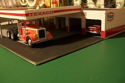6 BAY SERVICE GAS STATION DIORAMA FOR 1:43 SCALE DIECAST cbcustomtoys