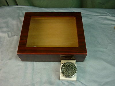 Quality Importers Glass Top Cigar Humidor 16K076   072711
