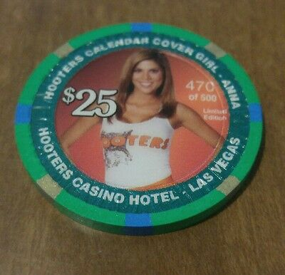$25 2006 HOOTERS Casino chip Anna Calender Girl Cover Girl Las Vegas LE 470/500