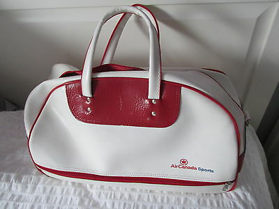 1990's AIR ALLIANCE SPORTS BAG DEFUNCT AIRLINES OF CANADA