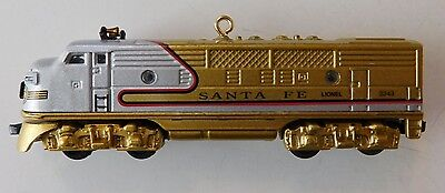 2006 Lionel Santa Fe F3A Diesel Locomotive Train Gold Hallmark Ornament NEW