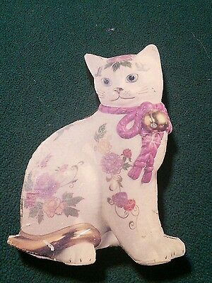 Decoration-- Wooden Kitty Plaque