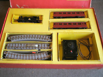 Vintage Triang  R2X Train-Set - Tested and Working.