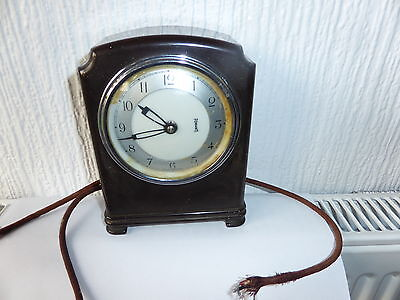 Vintage Mantle Clock Bakealite Art Deco Style Made By  Ferranti