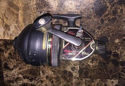 Shakespeare 1810 Ii (1810 2) Fishing Reel Spinning Casting Reel Great Shape