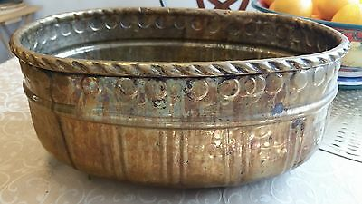 Vintage Hand Hammered Oval Copper Pot Planter Jardiniere Garden Weathered Patina