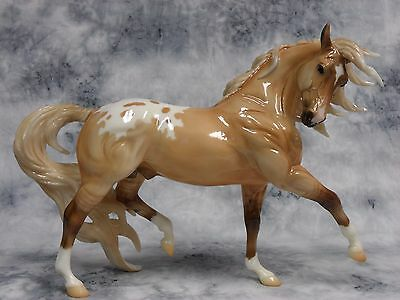 Breyer * Lionheart * 760520 Glossy Esprit Special Run Traditional Model Horse