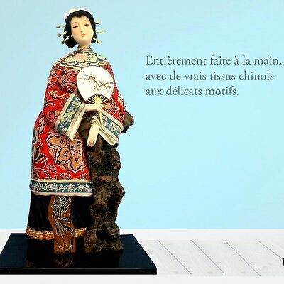 Figurine Chinoise avec Eventail
