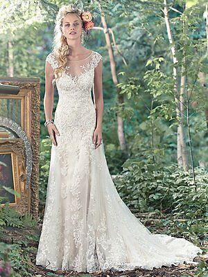 2016 Ivory wedding dress by Maggie Sottero size 2