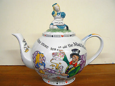 Paul Cardew Alice in Wonderland Collectors 6 Cup 48oz Teapot - Gift Boxed