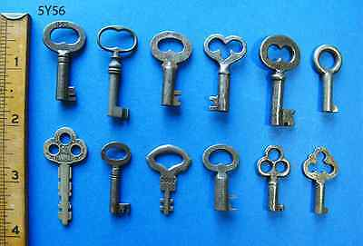 Lot Small Skeleton Keys - Padlock Barrel Vintage Antique Old Trunk Chest Toy