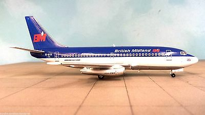Boeing 737-200 British Midland a metal model in 1/200 scale
