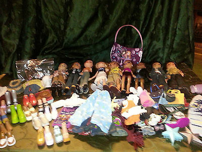 Huge Lot of Bratz Dolls (Girls and boyz) Clothing over 100 pieces Accessories