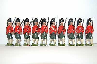 10 Pre War Britains Lead Highland Soldiers                2