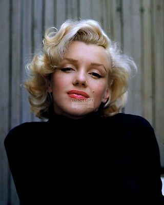 Marilyn Monroe Actress And Sex-Symbol - 8X10 Publicity Photo (Op-111)