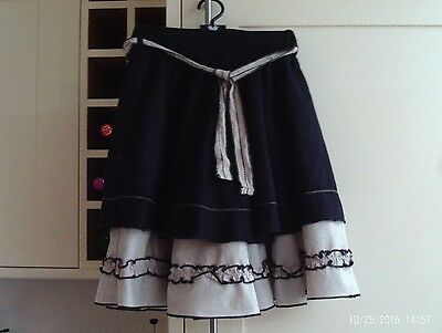 Girls 100% cotton skirt - age 7-8 years - Willow and Finn - gorgeous!