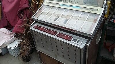 jukebox  vinyl  45s  vintage  music  Rowe Ami