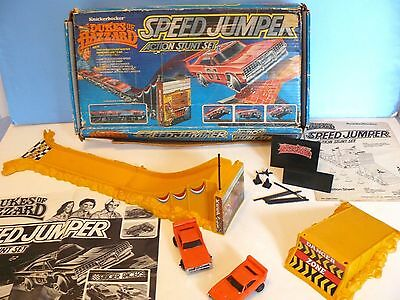 THE DUKES OF HAZZARD ~SPEED JUMPER~ Action Stunt Set w/ 2 CARS (1982) Incomplete
