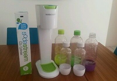 Sodastream Genesis starter kit with extra cylinder and 5 bottles