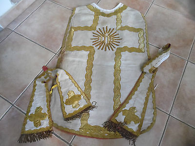 Chasuble Romaine Xix Eme Broderie Et Ihs Fil D Or/beige
