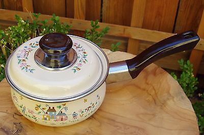 Japan Heartland International China 2 1/2 Quart Saucepan & Lid