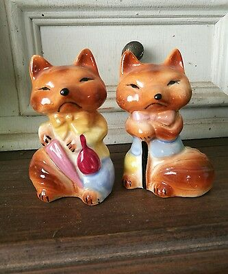 vintage salt and pepper shakers. Foxes.