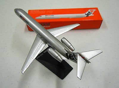 JETSTAR.com  BOEING 717-200  1:200 scale Snap Fit Type Model