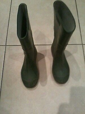 Green Wellingtons Unisex size 3 used