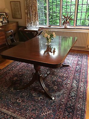 Large Mahogany Extending Dining Room Table – high quality reproduction antique