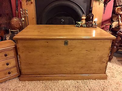 Fabulous Antique Victorian Vintage Old Pine Chest / Trunk / Blanket Box c1860