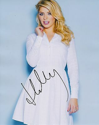 HOLLY WILLOUGHBY SIGNED 10x8 PHOTO - This Morning / Celebrity Juice