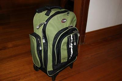 California Pak Overnight Carry On Cabin Bag Roller Backpack Excellent Cond