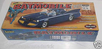 Batman Batmobile Polar Lights 2002 Kit Scale 1:25 - Brand New In Box Ages 10+