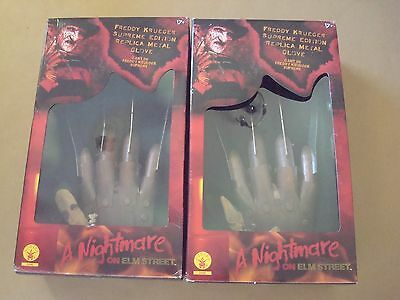 FREDDY KRUEGER / ANOES : 2 x SUPREME EDITION REPLICA METAL GLOVES