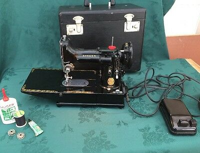 """RARE BOXED  SINGER model 222K RED """" S """" ELECTRIC SEWING MACHINE FEATHER WEIGHT"""