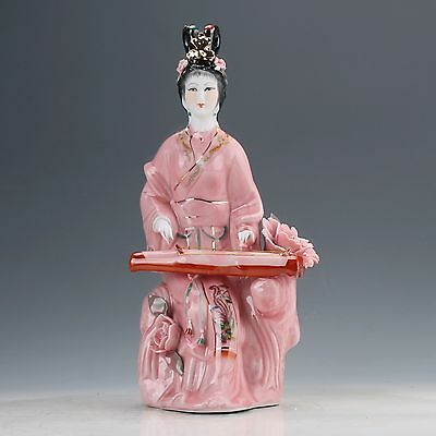 Chinese Famille Rose Porcelain Hand Painted Beautiful Gril Statue D823
