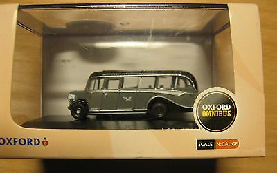 Oxford Die-Cast NOB009 Seagull Coaches Bedford OB Coach