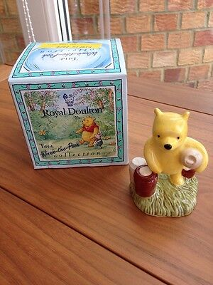 Royal Doulton Disney Winnie the Pooh Pooh Counting The Honeypots WP12