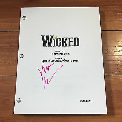 KRISTIN CHENOWETH SIGNED WICKED FULL BROADWAY MUSICAL SCRIPT - w/ PROOF