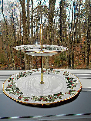 Queen's Rosina China Co Yuletide 2-Tier Tidbit Serving Tray Christmas Gold Trim
