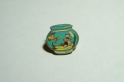 """Cleo From """"Pinocchio"""" Disney Trading Pin"""
