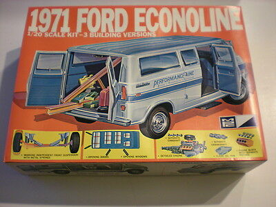 MPC 1971 Ford Ecnoline Plastic Model Van Kit Scale 1/20 #1-3371 RAREIssued 1970s
